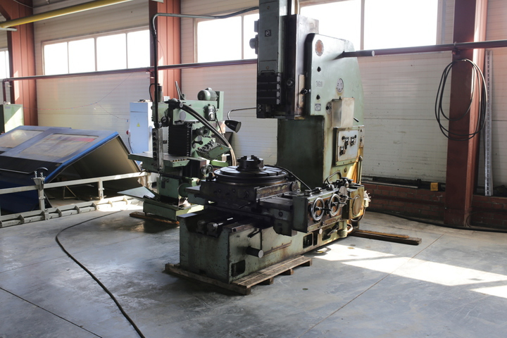 Slotting machine 7403